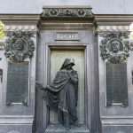 Monumento funebre Achille e Giulietta Forti, 1925 circa, Verona, cimitero ebraico - Carlo Spazzi