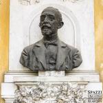 Monumento a Enrico Sicher (dettaglio), 1919, Verona, Liceo Maffei - Carlo Spazzi