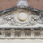 Pantheon Beneficis in Patriam (dettaglio timpano) 1890 - Verona, Cimitero Monumentale - Carlo e Attilio Spazzi