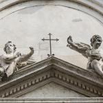 Putti sul timpano del portale 1795  - Pacengo (VR), parrocchiale