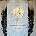 Monumento funebre Carlotti 1900 - Carlo e Attilio Spazzi - cimitero di Illasi (Vr)
